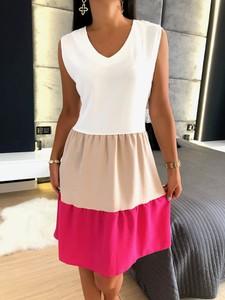 Sukienka ModnaKiecka.pl mini w stylu casual na ramiączkach