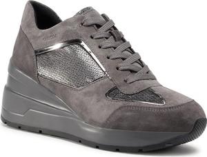 Buty sportowe Geox na platformie sznurowane