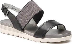 Sandały Caprice z klamrami w stylu casual