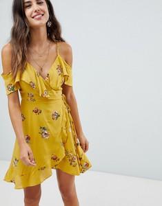 Żółta sukienka Lunik mini z dekoltem w kształcie litery v z odkrytymi ramionami