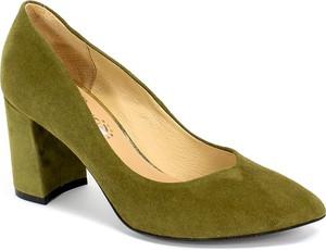 Zielone czółenka Tomex w stylu klasycznym na średnim obcasie