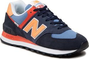 Granatowe buty sportowe New Balance w sportowym stylu z płaską podeszwą