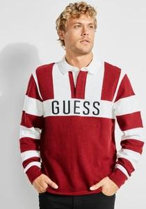 Czerwona bluza Guess w młodzieżowym stylu