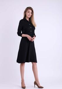 Czarna sukienka Nommo w stylu casual szmizjerka z długim rękawem