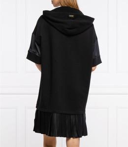 Sukienka Twinset w stylu casual z okrągłym dekoltem prosta