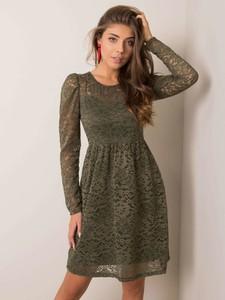 Zielona sukienka Sheandher.pl w stylu casual z okrągłym dekoltem