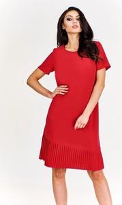 Sukienka Fokus w street stylu z okrągłym dekoltem