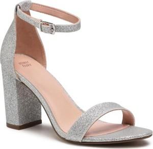Srebrne sandały Jenny Fairy z klamrami