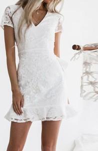 Sukienka Kendallme z krótkim rękawem mini trapezowa