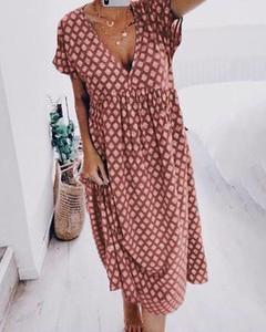 Sukienka Kendallme z dekoltem w kształcie litery v w stylu casual