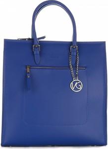 Niebieska torebka VITTORIA GOTTI z breloczkiem matowa na ramię