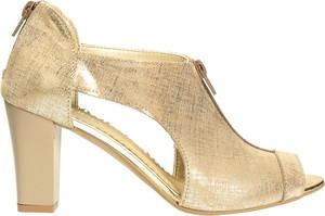 Złote sandały Darbut
