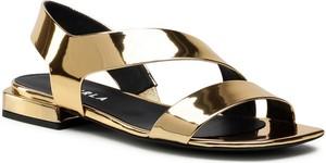 Złote sandały Furla z klamrami z płaską podeszwą