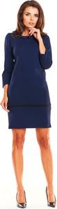 Niebieska sukienka Awama z długim rękawem ołówkowa z okrągłym dekoltem