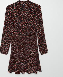 Sukienka Cropp z długim rękawem mini w stylu casual