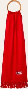 Czerwony szalik Tommy Jeans