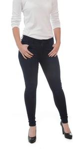 Granatowe jeansy Wrangler w stylu casual