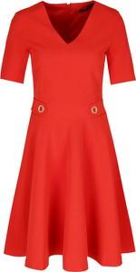 Sukienka Trussardi Jeans w stylu casual z krótkim rękawem z dekoltem w kształcie litery v