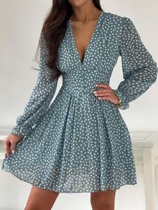 Sukienka Versada z dekoltem w kształcie litery v