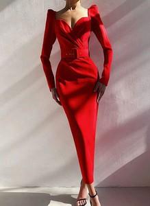 Sukienka Arilook z dekoltem w kształcie litery v ołówkowa z długim rękawem