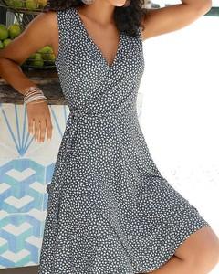 Sukienka Kendallme z dekoltem w kształcie litery v w stylu casual midi
