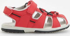 Czerwone buty dziecięce letnie Reserved na rzepy