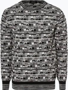 Sweter Carlo Colucci w młodzieżowym stylu