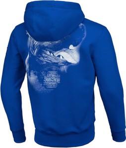 Niebieska bluza Pit Bull z nadrukiem w młodzieżowym stylu