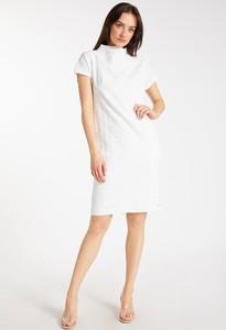 Sukienka Monnari z okrągłym dekoltem z krótkim rękawem mini