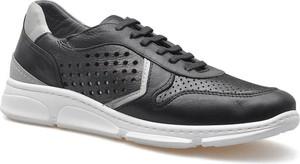 Czarne buty sportowe Venezia sznurowane z płaską podeszwą ze skóry