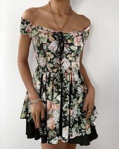 Sukienka Kendallme hiszpanka mini z odkrytymi ramionami