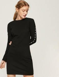Czarna sukienka Sinsay