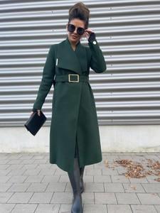 Zielony płaszcz Versada w stylu casual