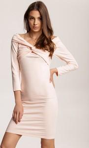Różowa sukienka Renee mini z długim rękawem w stylu casual