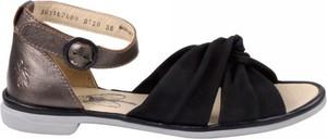 Sandały FLY London z płaską podeszwą w stylu casual