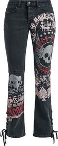 Czarne jeansy Emp z nadrukiem w street stylu