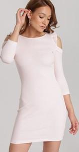 Różowa sukienka Renee z okrągłym dekoltem z długim rękawem w stylu casual