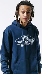 Niebieska bluza Vans w młodzieżowym stylu