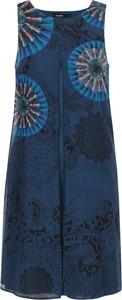 Sukienka Desigual midi z okrągłym dekoltem w stylu casual