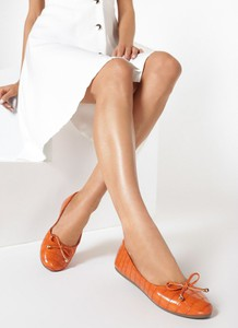 Pomarańczowe baleriny born2be w stylu casual