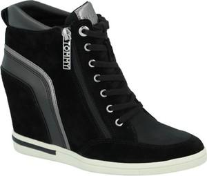 bc47405c1f899 Sneakersy Tommy Hilfiger w młodzieżowym stylu sznurowane