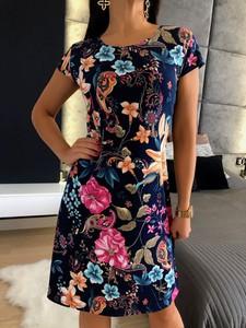 Sukienka ModnaKiecka.pl w stylu casual z krótkim rękawem