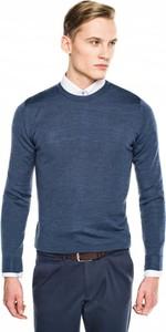 Niebieski sweter recman