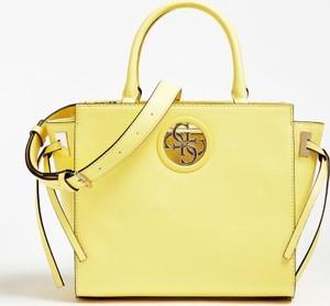 Żółta torebka Guess na ramię z bawełny
