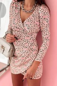 Różowa sukienka Shopaholics Dream w stylu casual z długim rękawem z dekoltem w kształcie litery v