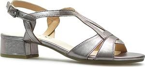 Srebrne sandały Caprice na słupku na niskim obcasie