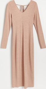 Sukienka Reserved prosta z długim rękawem