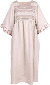 Różowa sukienka Tory Burch z okrągłym dekoltem