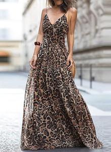 Sukienka Cikelly maxi z dekoltem w kształcie litery v w stylu casual