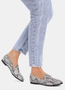 564c82ac Szare buty damskie z płaską podeszwą DeeZee, kolekcja lato 2019